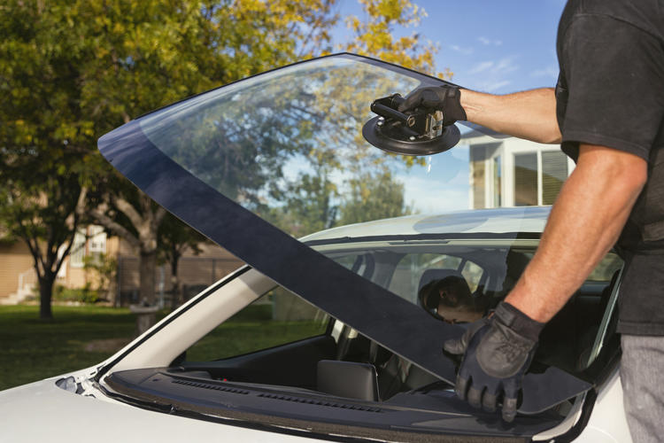 Be Safe, Save Money With Expert Windscreens Repair